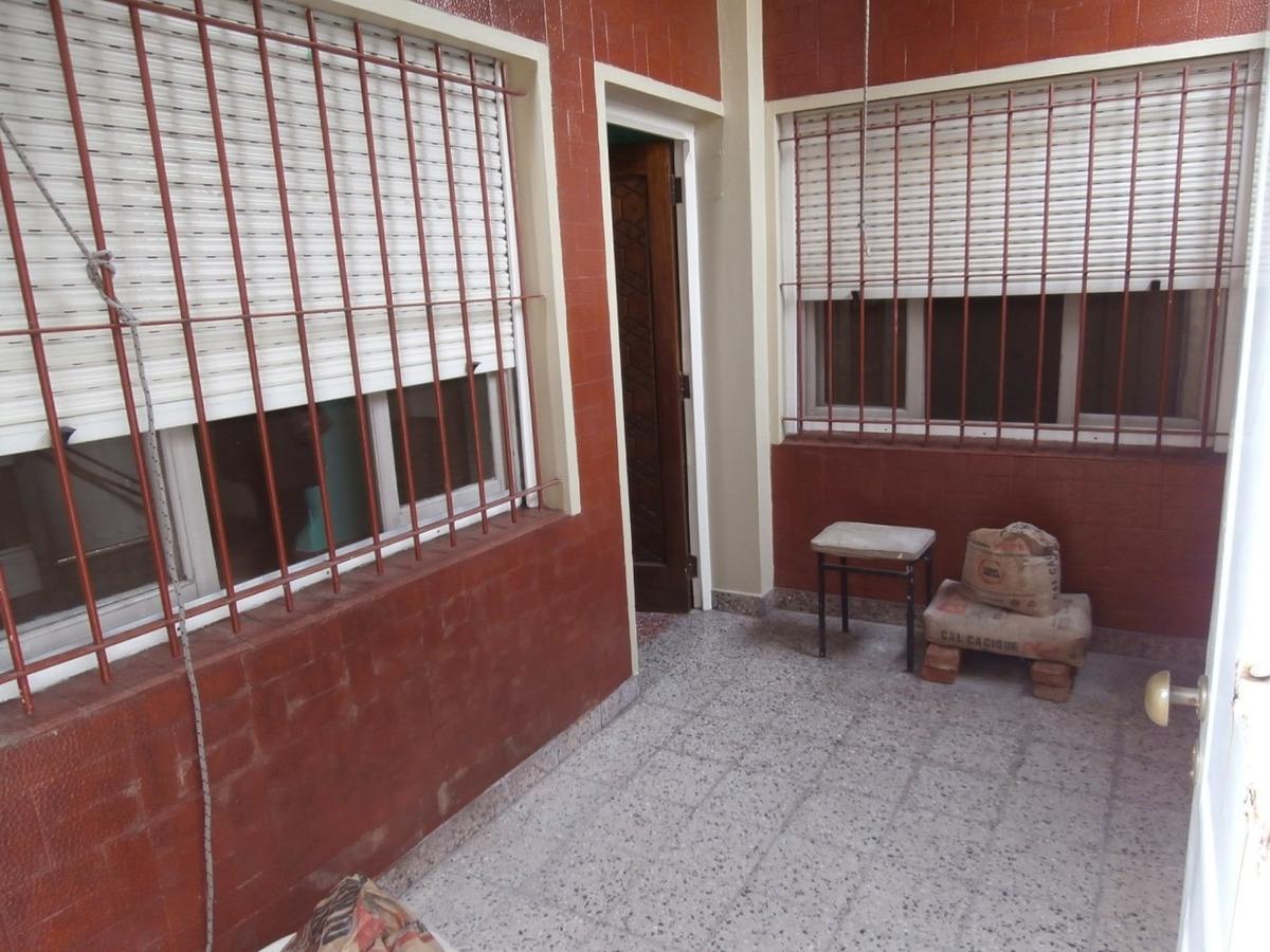 en venta con renta, 3 amb terraza en martín coronado