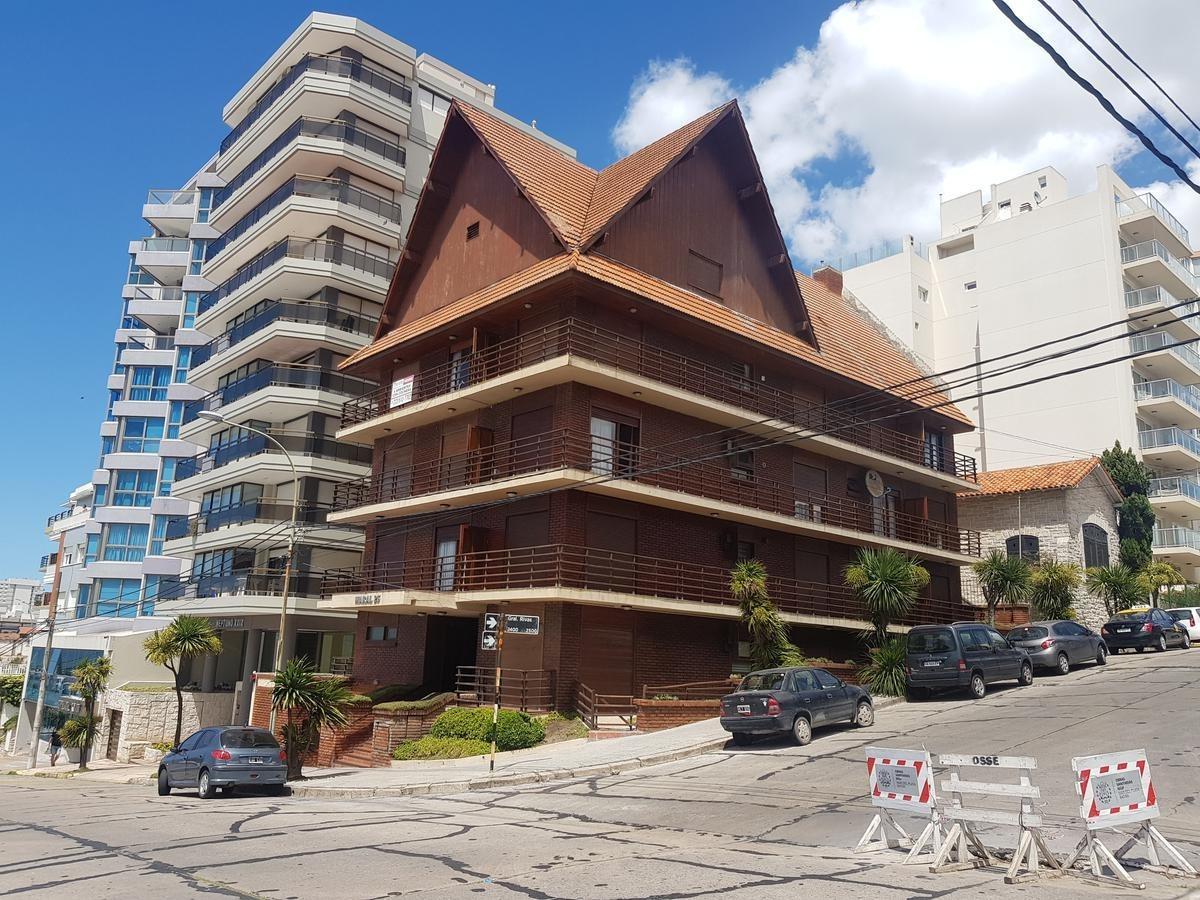 en venta dep0artamento 2 amb. - falucho - rivas - a la calle c/ balcón y vista lateral al mar.