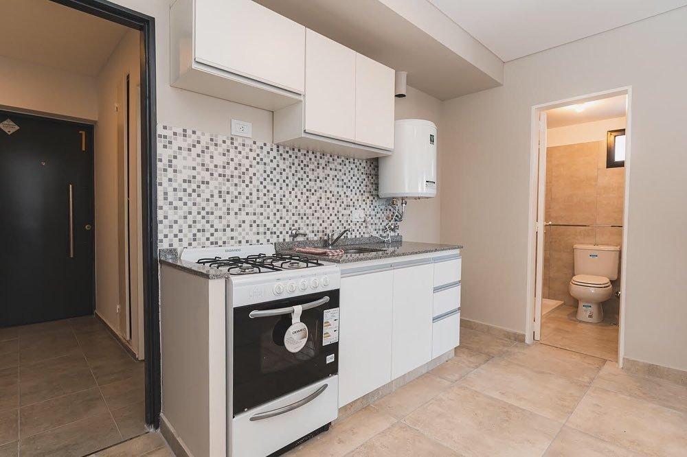 en venta departamento de un dormitorio 40 m2 con balcón - guemes 2600