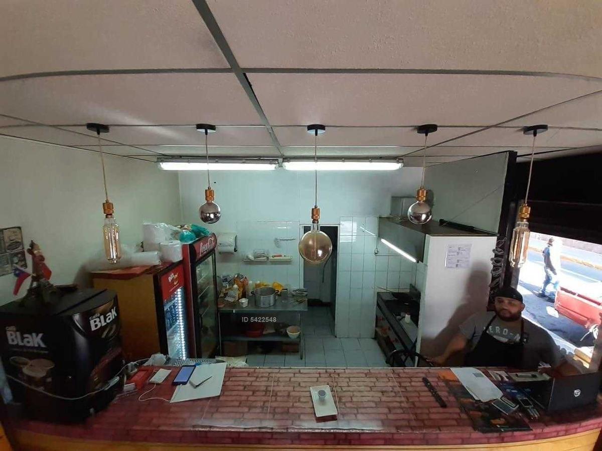 en venta derecho de llave en vicuña mackenna a pasos de metro santa iasabel