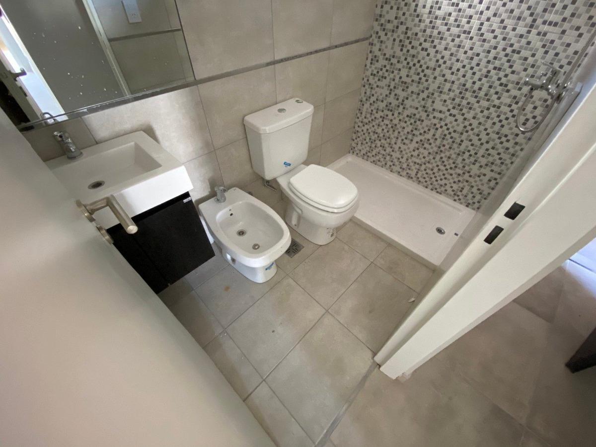 en venta dpto de un dormitorio * urquiza al 2800 * terraza exclusiva con parrillero