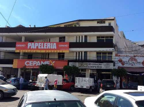 en venta edificio comercial atras del mercado escobedo en qro. mex.