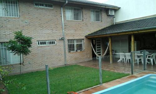 en venta en ciudad jardin chalet 5 amb 3 baños.piscina quincho f: 7100