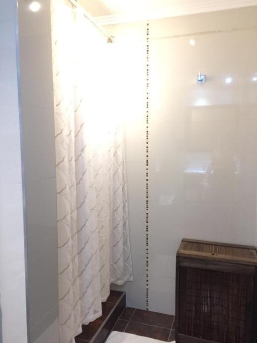 en venta en edificio girasoles duplex con cochera propia de 3 ambientes, 2 dormitorios, 2 baños. f: 8103