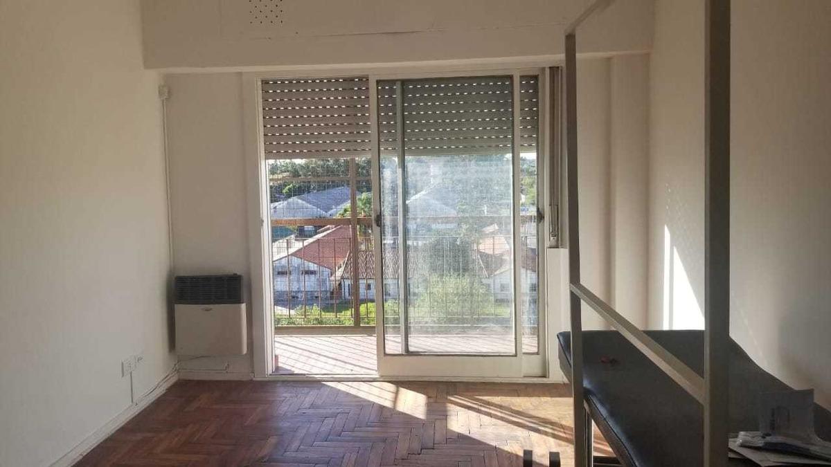 en venta en el palomar departamento de 4 ambientes en 6to piso al frente con espacio cochera venta inmediata!!! f: 2155