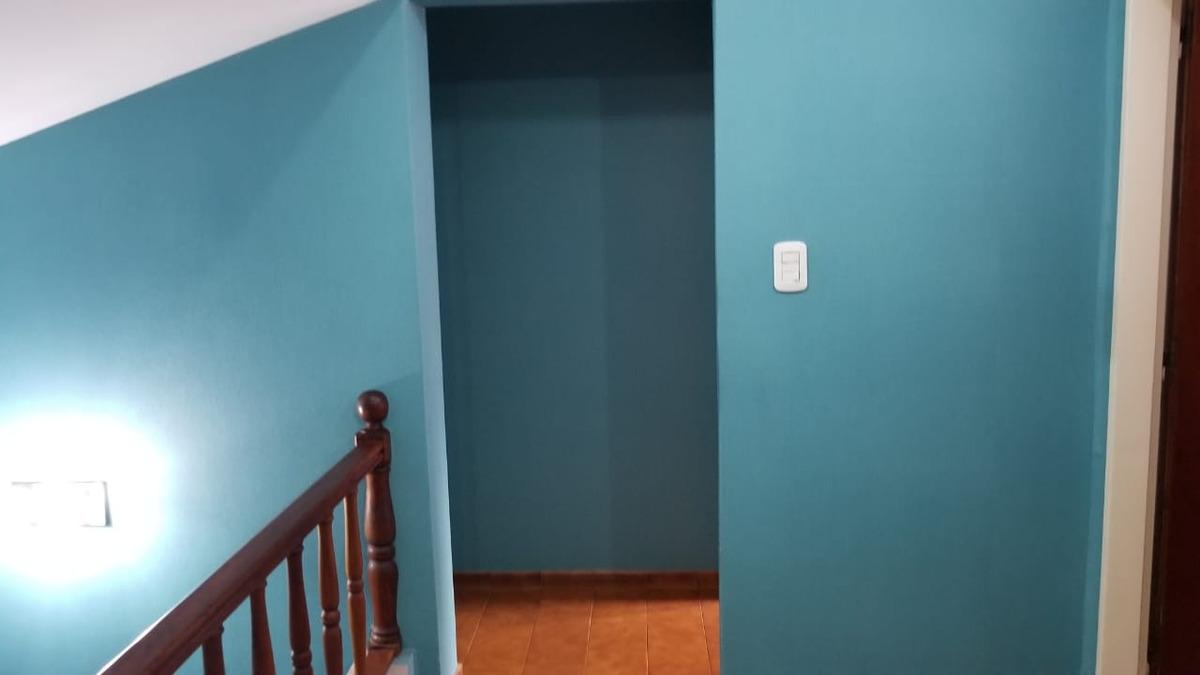 en venta en villa bosch: chalet en muy buen estado a metros del pio xxii, dos plantas.  3 dormitorios 2 baños. tomo menor valor f: 7929