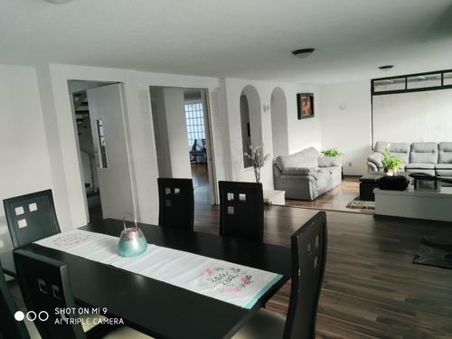 en venta espaciosa y muy luminosa casa de 3 niveles en arboledas