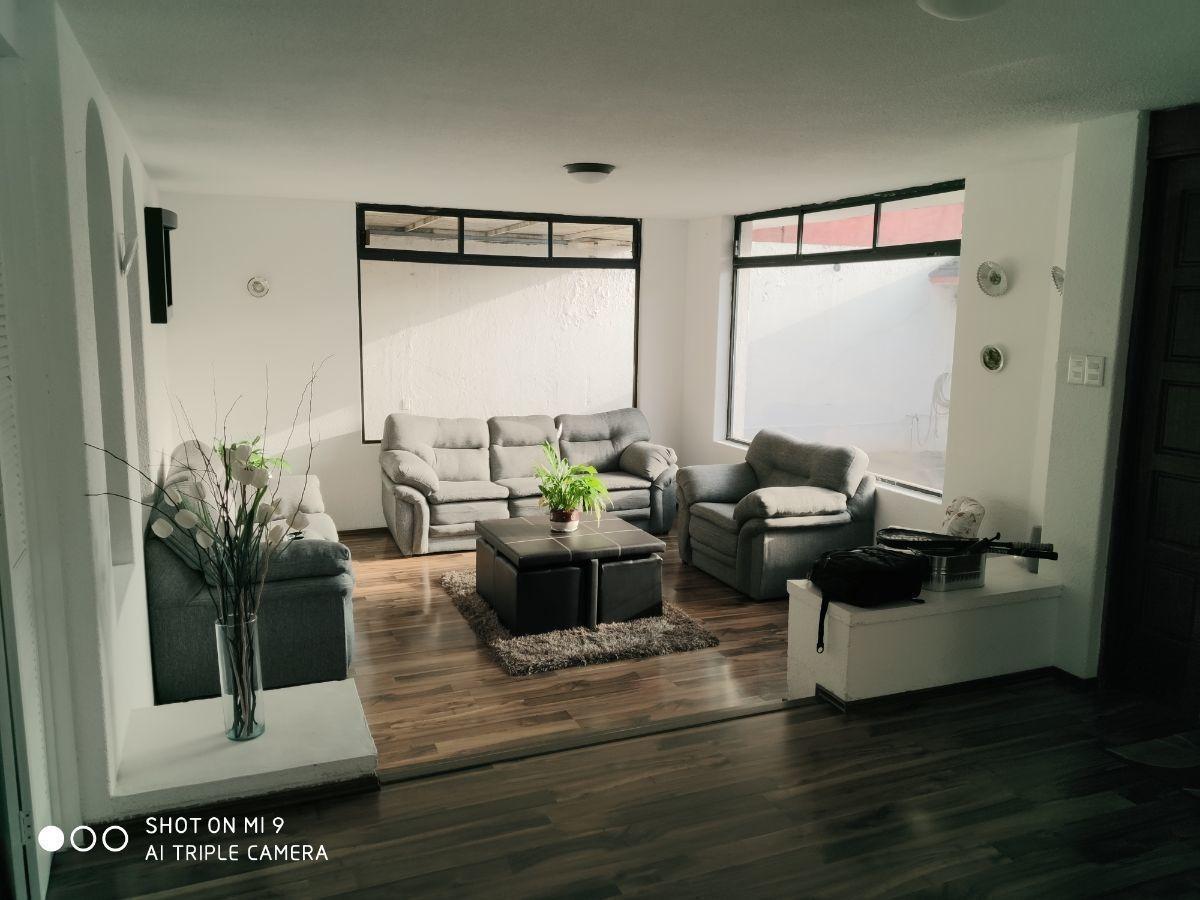en venta espaciosa y muy luminosa casa para actualizar en arboledas