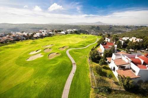 en venta excelente terreno en zona campo de golf   el campanario qro