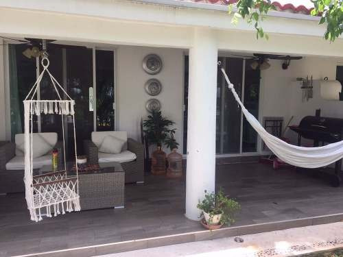 en venta: hermosa casa de 3 recamaras en palma real - playacar p2224