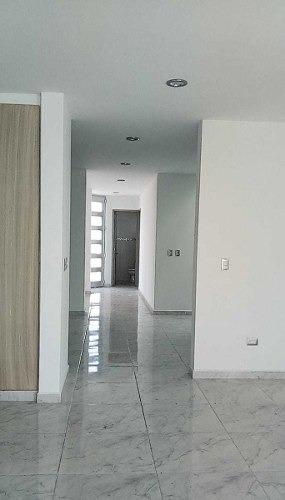 en venta hermosa casa en el refugio