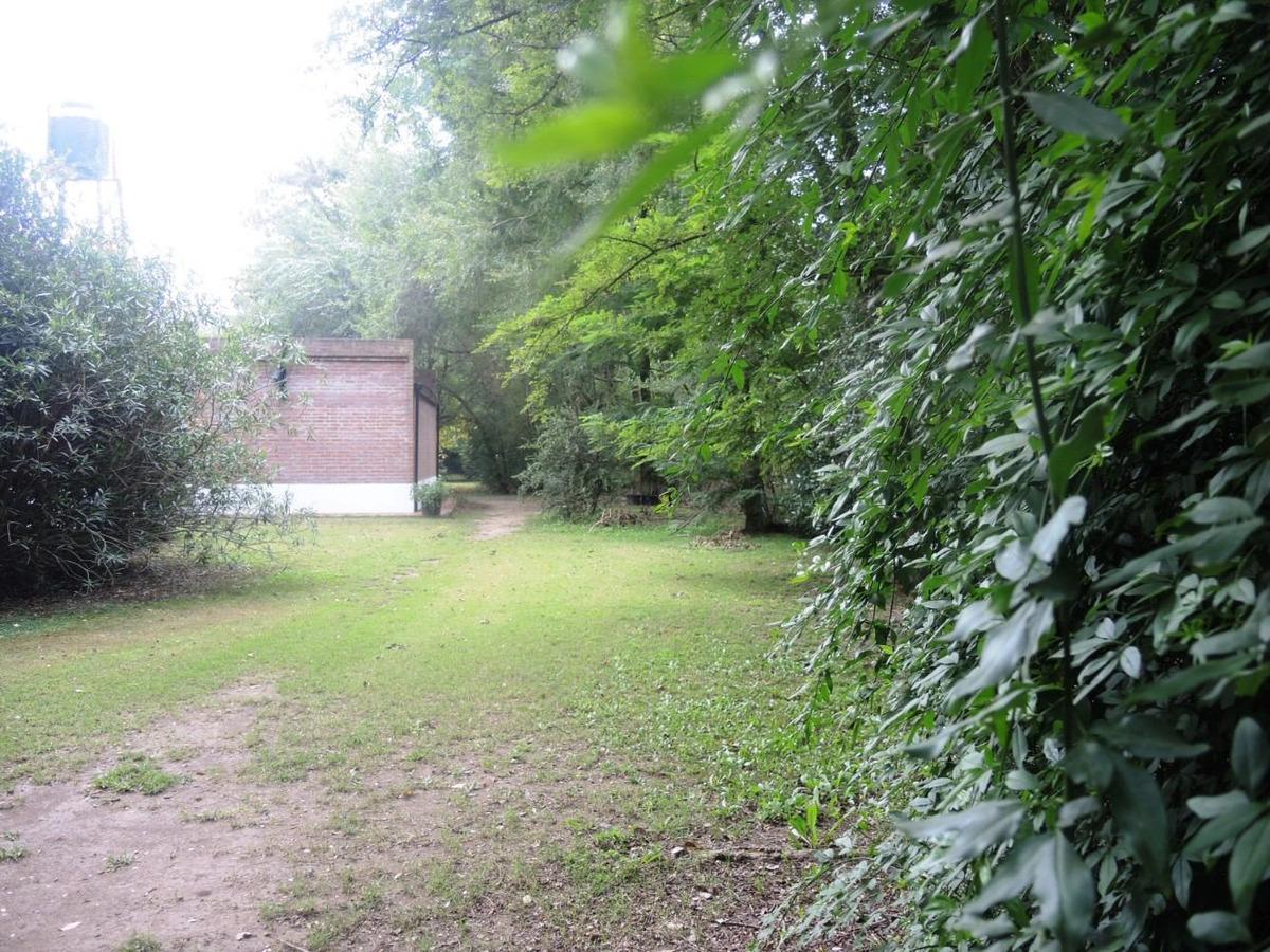 en venta hermosa casa quinta en la araucaria, lobos.