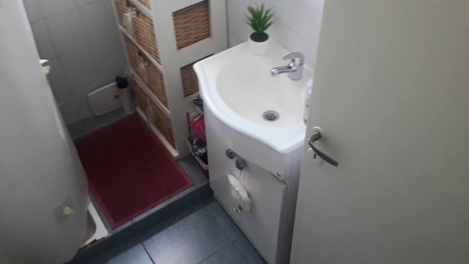 en venta hermoso departamento en ciudad jardin de 3 ambientes sobre boulevard finca. venta inmediata!!!! permuto x 2 amb con ascensor f: 8198