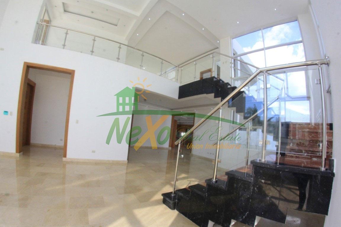 en venta lujosa casa en construcción en santiago (trc-166)