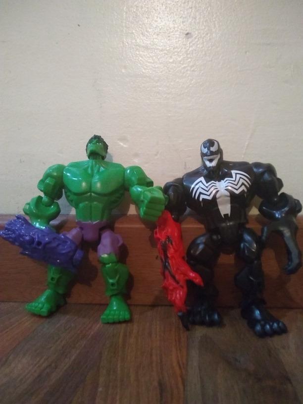 En Venta Muñecos Hulk Y Venom - Bs. 500 cab33684ddd
