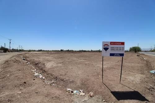 en venta terreno comercial en residencial monarcas
