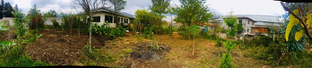 en venta terreno con 2 casas sector racar plaza