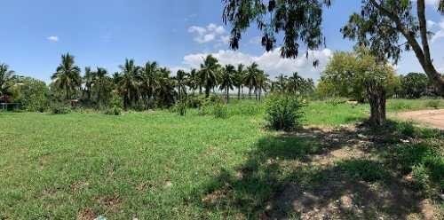 en venta terreno con frente a la laguna de champayan, zona centro, altamira, tamaulipas.