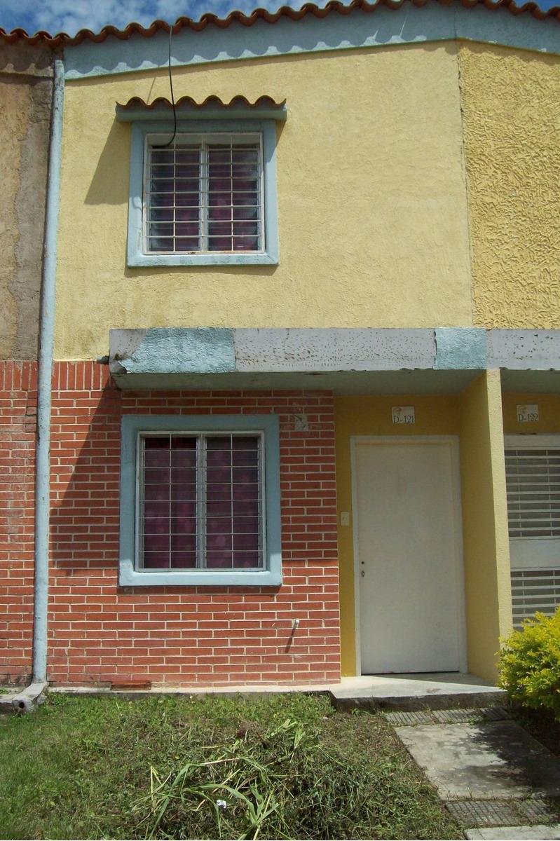 en venta town house en calicanto