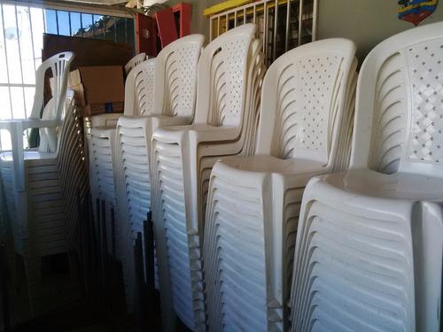 en venta varios articulos de festejos, silla, mesas,manteler