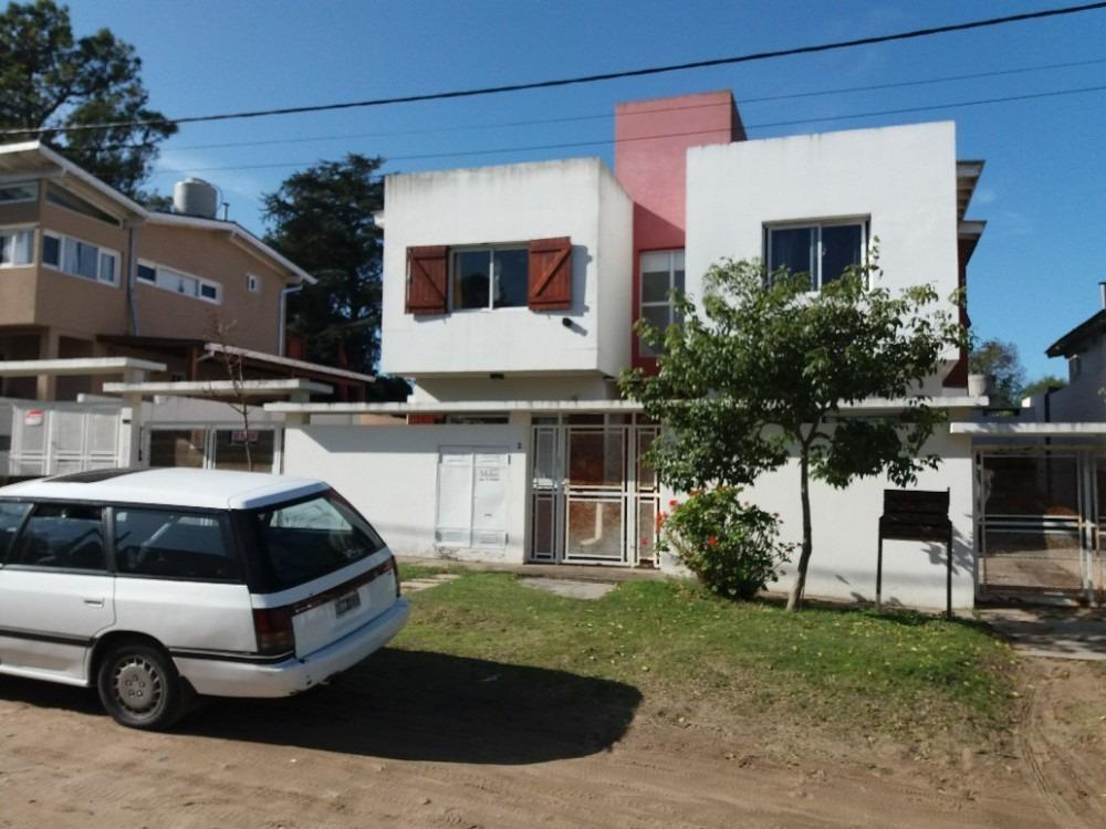 en venta, villa gesell, zona centro, p.h. al frente ( 4 u.f.