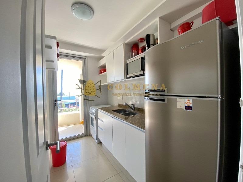 encantador departamento de 3 dormitorios en playa mansa- ref: 1505