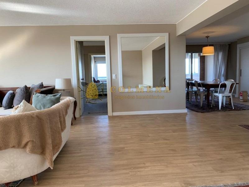 encantador y amplio departamento con excelentes detalles de diseño! -ref:2615