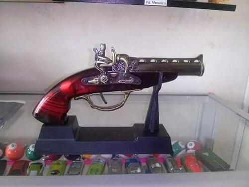 encendedor decorativo en forma de pistola antigua,a gas.