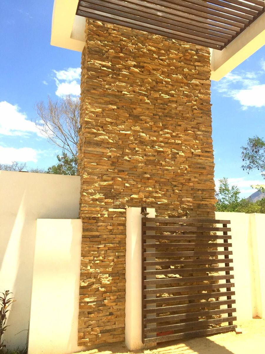 Enchapes de piedra natural para muros interiores for Baldosas de piedra para exterior