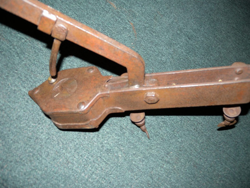 encorchadora corchera antigua en hierro de mesa la perfetta