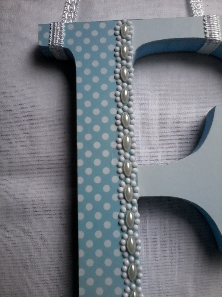 99d51b36c85e0 enfeite quadro porta maternidade quarto de bebe letra azul. Carregando zoom.