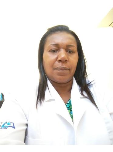 enfermeira. cuidados em geral. banho. curativos. avaliação.