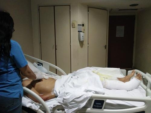 enfermera profesional licenciada cuidados
