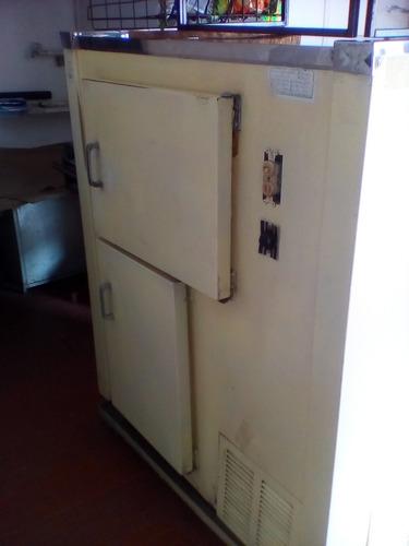 enfriador indufrial con mostrador de dos niveles