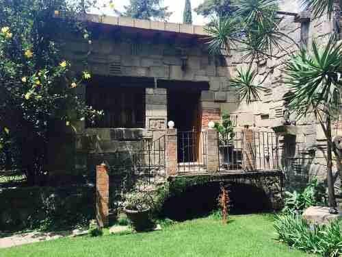 enorme casa en la calle de  santiago zona san jeronimo lidice cerca del lowell