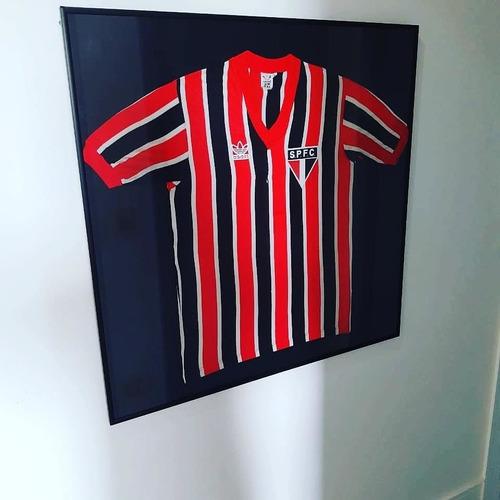 enquadramento de camisas de futebol
