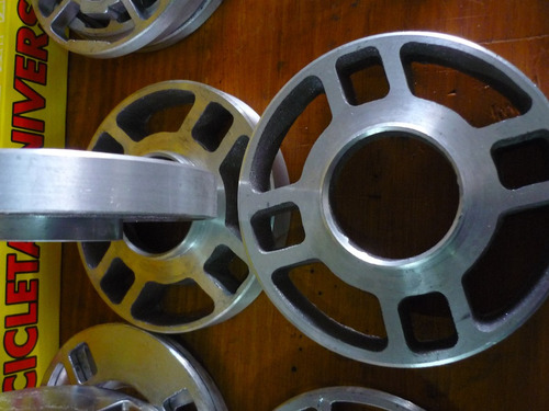 ensanchadores  de llanta de vw en aluminio de 6 mm