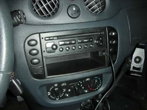 entrada auxiliar para el stereo de tu auto