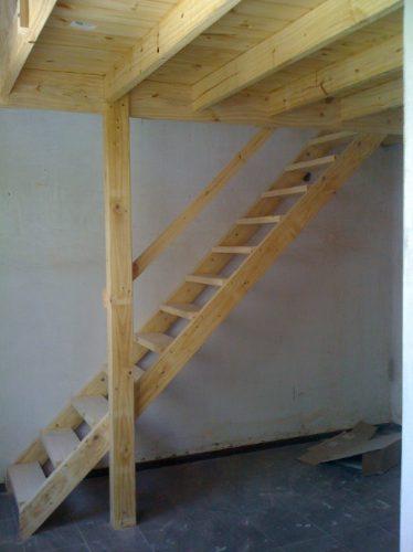 Entrepiso de madera escaleras altillos desde - Como hacer una escalera plegable para altillo ...