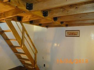 Entrepisos entrepisos hierro madera decks garages en for Como hacer una escalera para un entrepiso