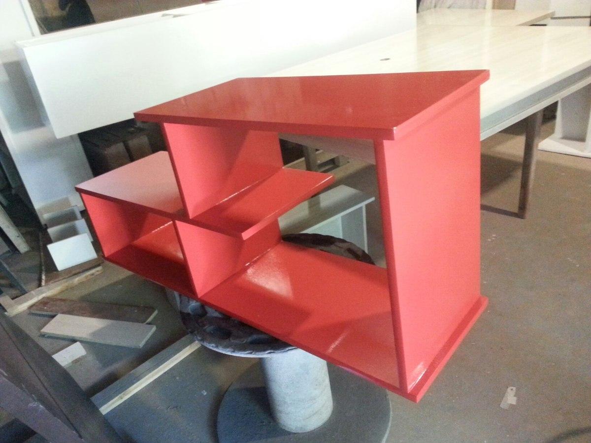Centro de entretenimiento mueble para tv minimalista for Centro industrial del mueble