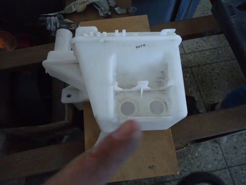 envase de agua limpia parabrisas spark original sin bombas