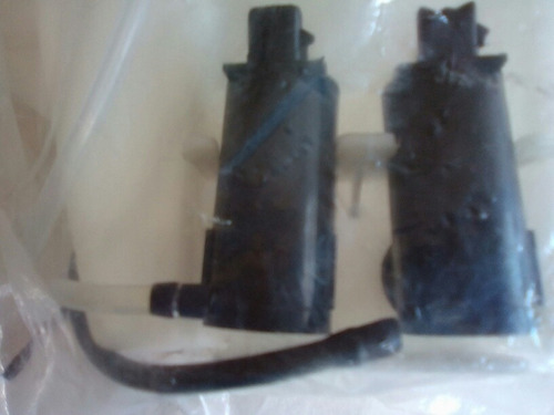 envase de agua limpiaparabrisas spark con bombas