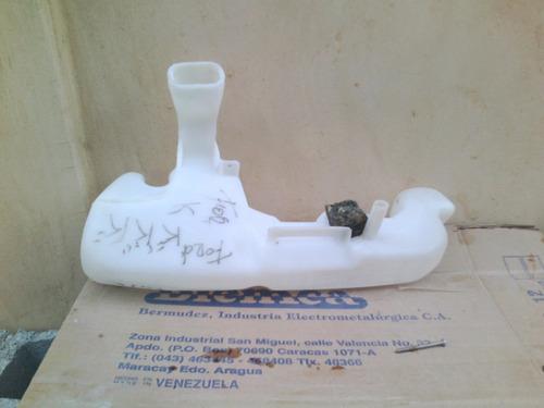 envase de limpia parabrisas de ford ka
