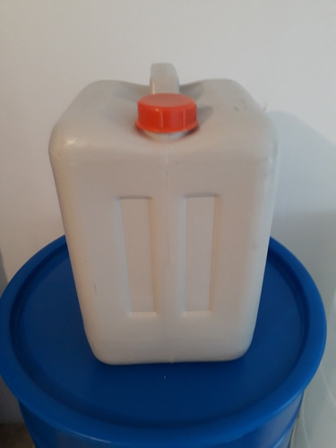 envase plástico (bidon, pimpina, carboya) 20 litros