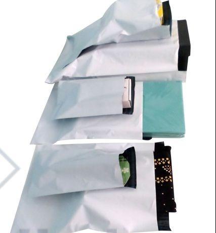 envelope plástico tipo correio c/ lacre  32 x 40 (100 und)