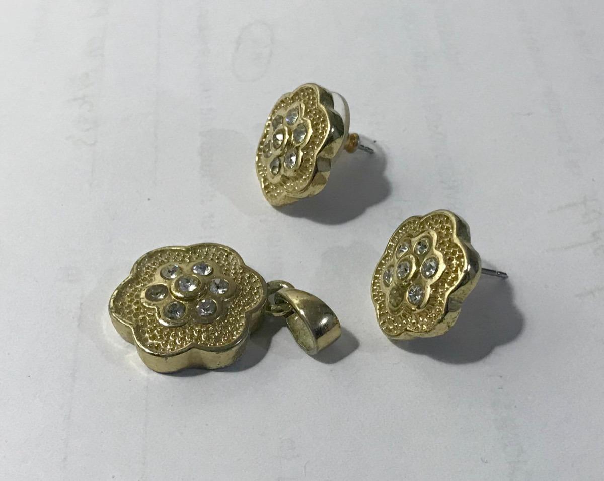 b0e59c569cfc envío barato  conjunto arete y dije nice con baño de oro. Cargando zoom.