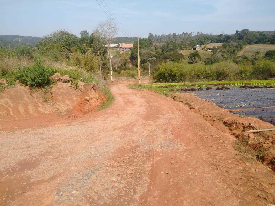 e.p terrenos em ibiuna 1000 m2 com lago para pesca