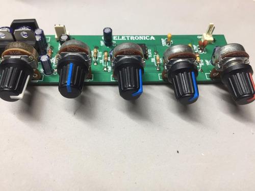 equalizador com entrada de mic e áudio com 3 bandas
