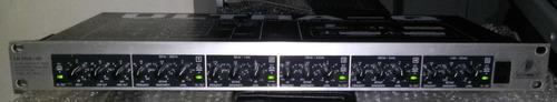 equalizador paramétrico behringer peq 2000 ultra-q o melhor